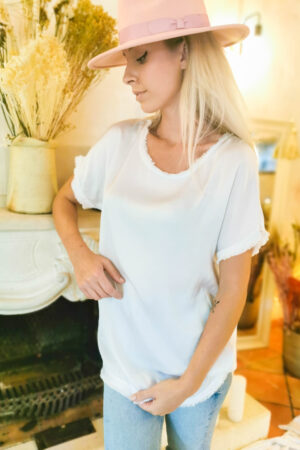 Tee-shirt long blanc en soie et franges
