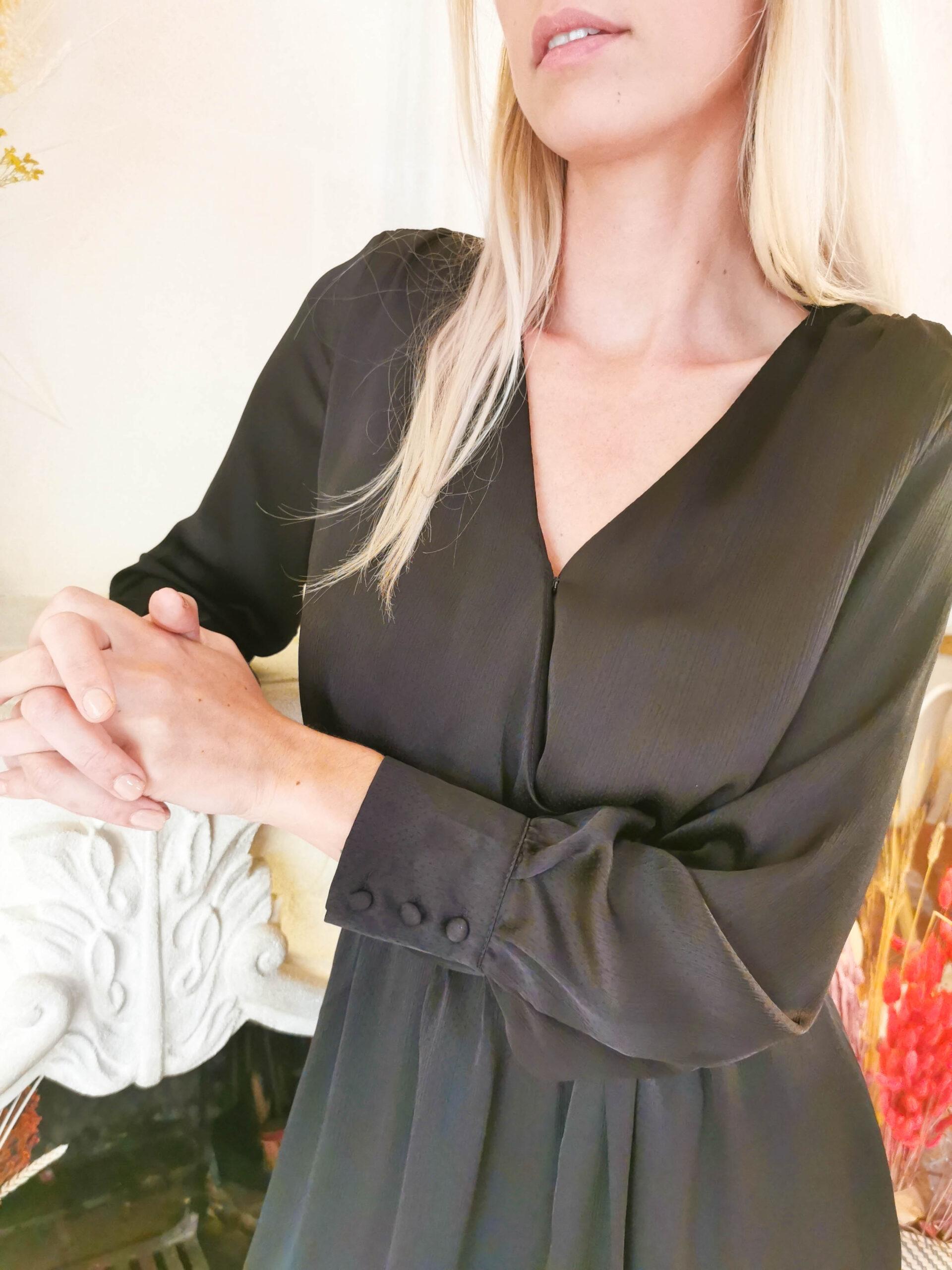 Robe noir Emy satinée et ceinture