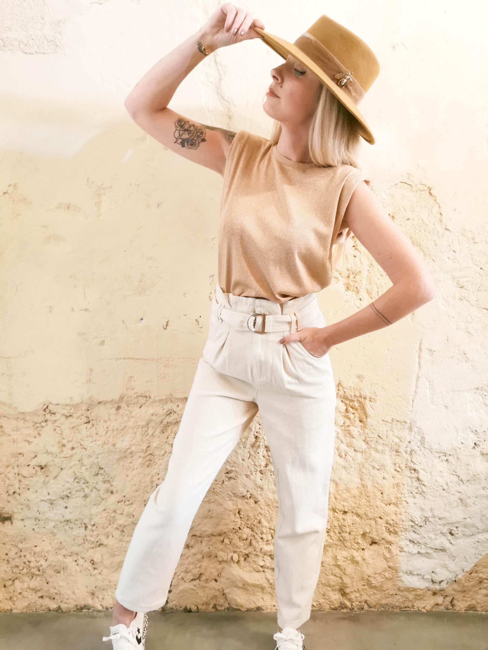 Tee-shirt camel à paillettes