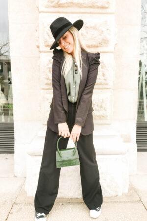 Veste blazer noire à épaulettes