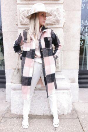 Manteau à carreaux rose et noir